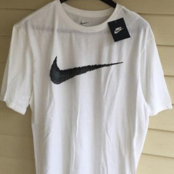 cbf9c103 Nike Mens XL T-Shirt NEW. M_5cc0b178bb22e3299cc19d7e
